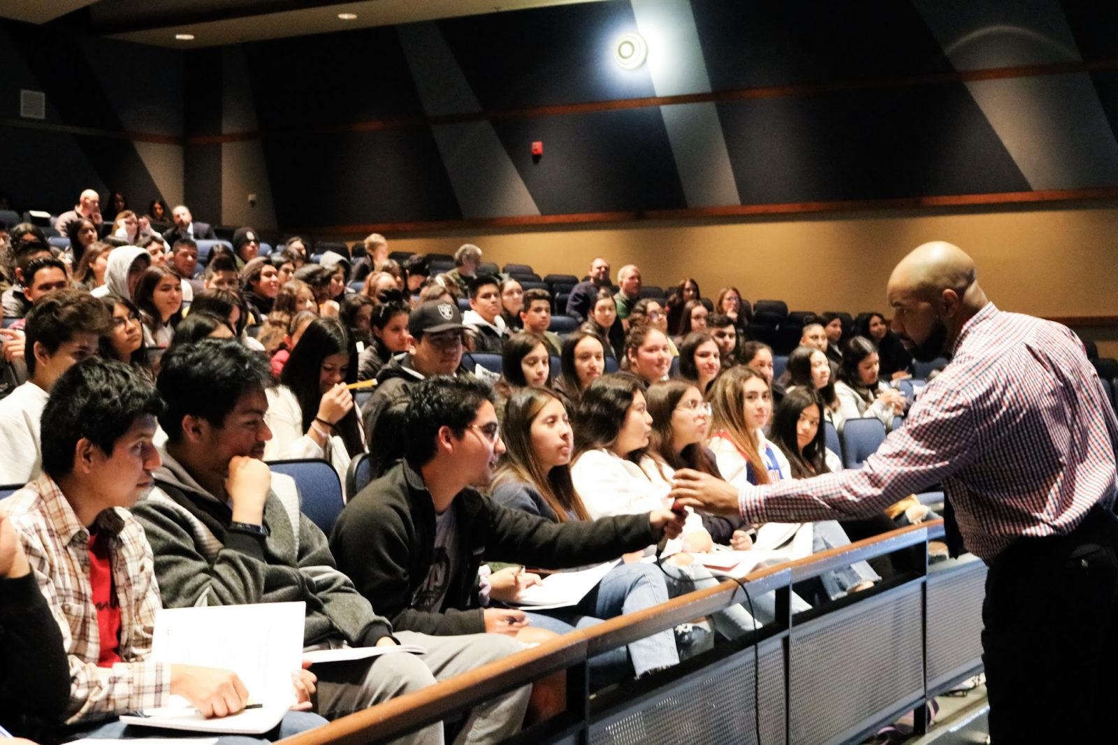 PEAC and AVID Seniors Learn Tips for Academic Success